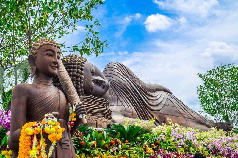 Drewniana Buddha statua plenerowa obrazy stock