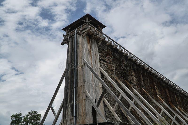 Drewniana budowa historyczny skalowania towe zdjęcie royalty free