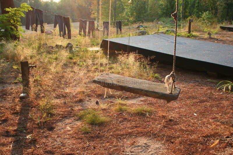 Drewniana kraj huśtawka fotografia stock