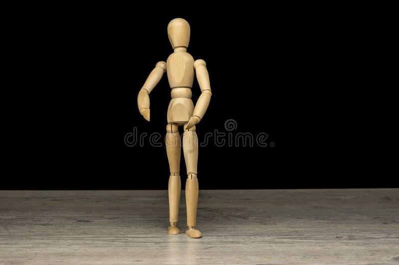 Drewniana ludzka mannequin pozycja zdjęcia royalty free