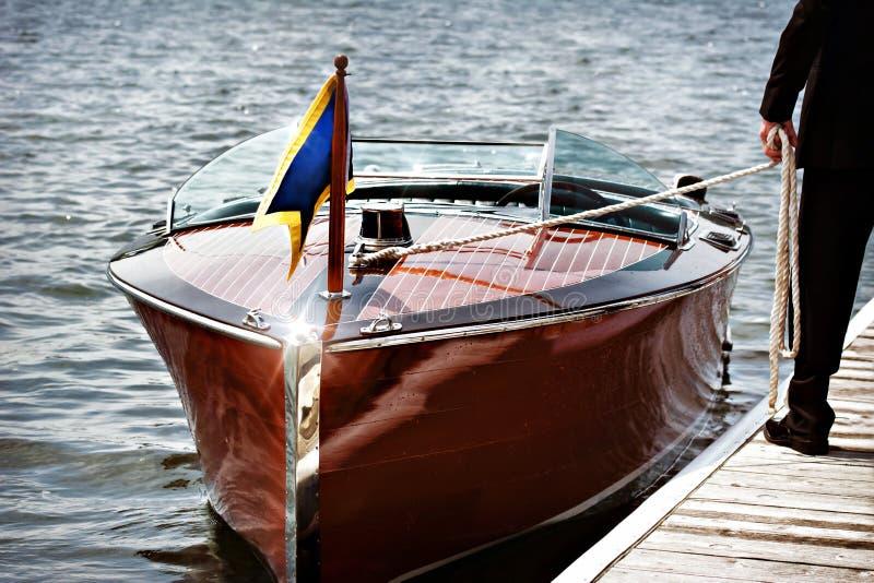 Drewniana motorowa łódź obraz royalty free