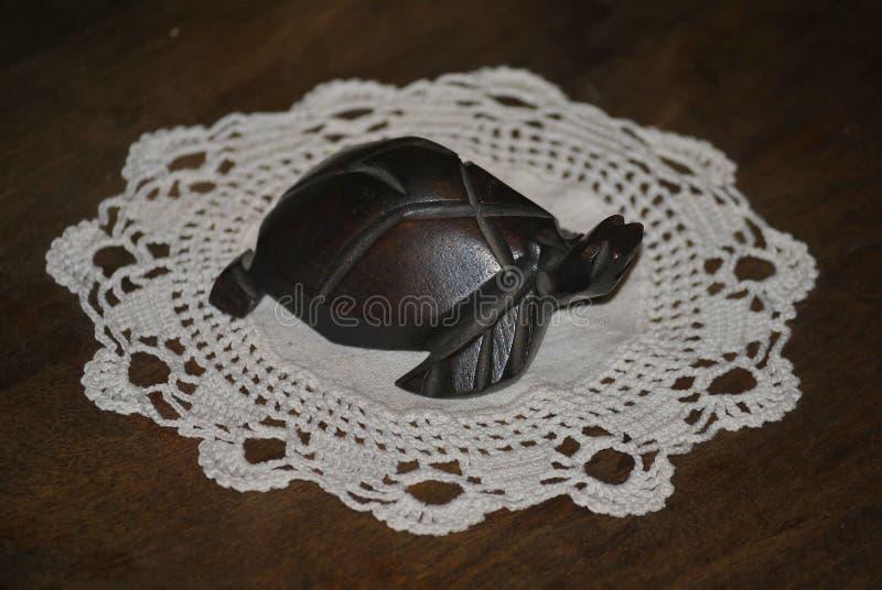 Drewniana postać żółw zdjęcie stock