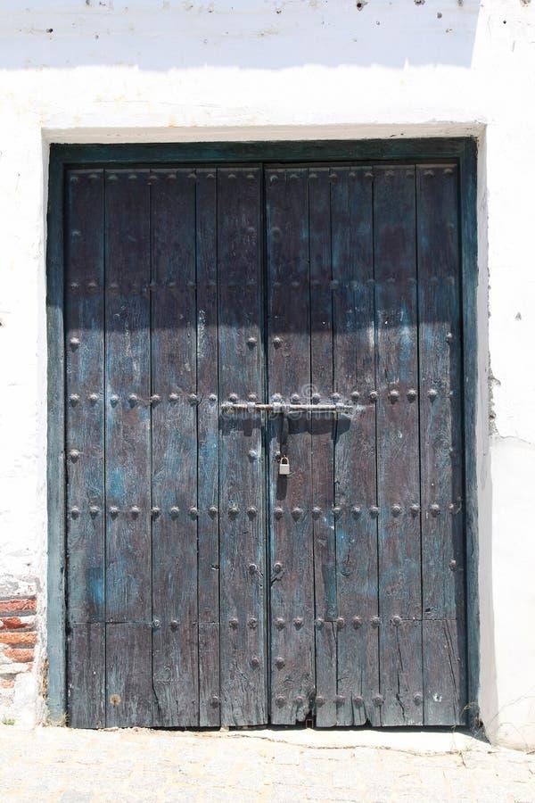 Drewniana rocznik brama zdjęcia royalty free