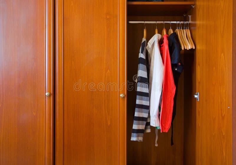 drewniana wielka garderoba zdjęcie stock