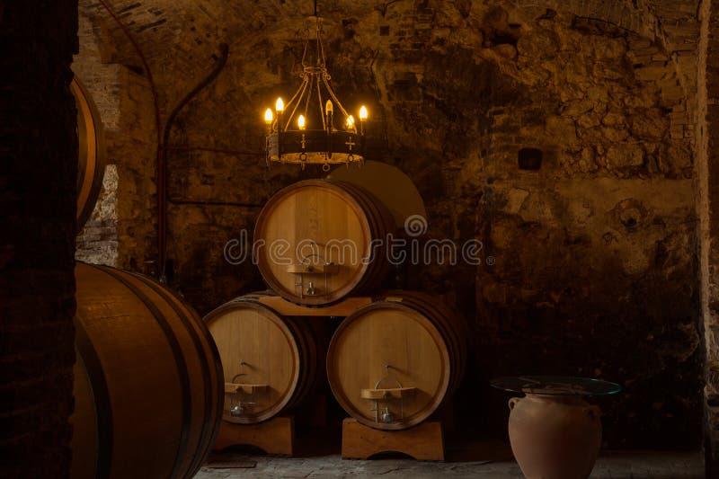 Drewniane baryłki z winem fotografia stock