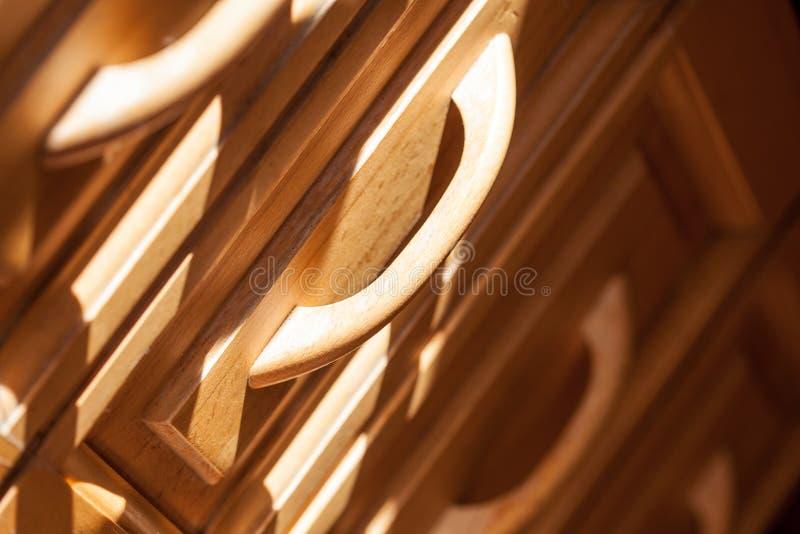 Drewniane fasady meble wyciągali kreślarza zbliżenie zdjęcia royalty free