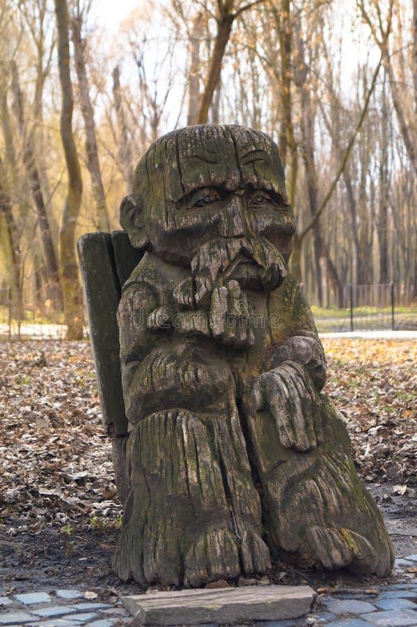 drewniane rzeźby dziadek zdjęcia stock