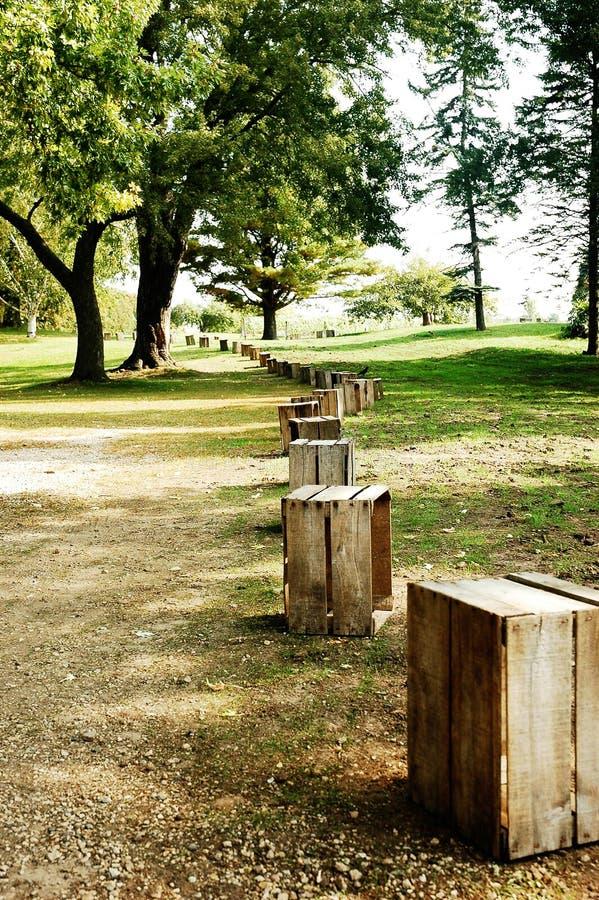Drewniane Skrzynki ścieżka Rząd obraz stock