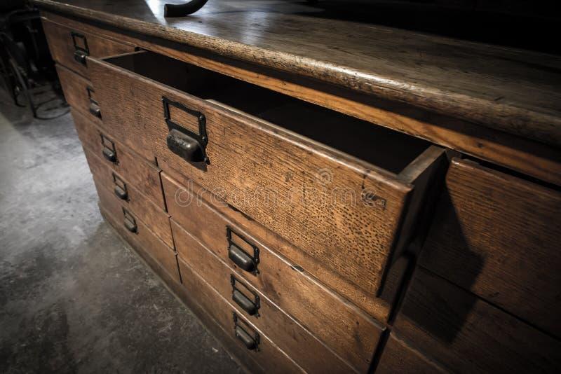 Drewnianego kreślarza starego rocznika retro styl zdjęcie royalty free