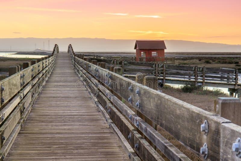 Drewnianego mosta i kabiny krajobraz obrazy royalty free