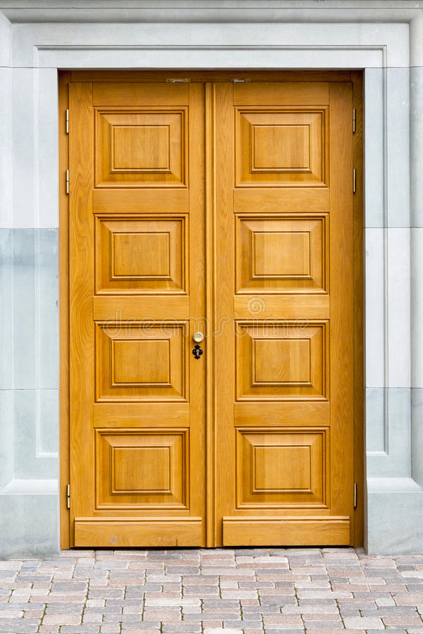 Drewniani dekoracyjni drzwi zdjęcie stock
