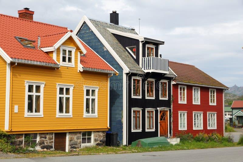 Drewniani domy w Norwegia obrazy royalty free