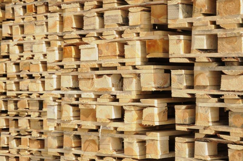 Drewniani euro barłogi