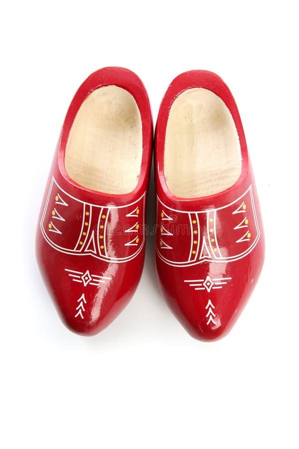 drewniani Holland holenderscy buty odosobneni czerwoni zdjęcia stock