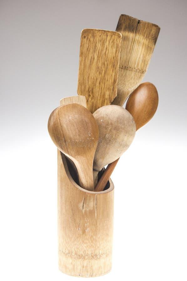 Drewniani kuchenni naczynia odizolowywający na białym tle fotografia stock