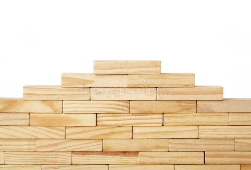 Drewniani prostokąty układali inaczej nad białym tłem kosmos kopii Okładkowy tło szablon dla prezentacji, brochu zdjęcie stock