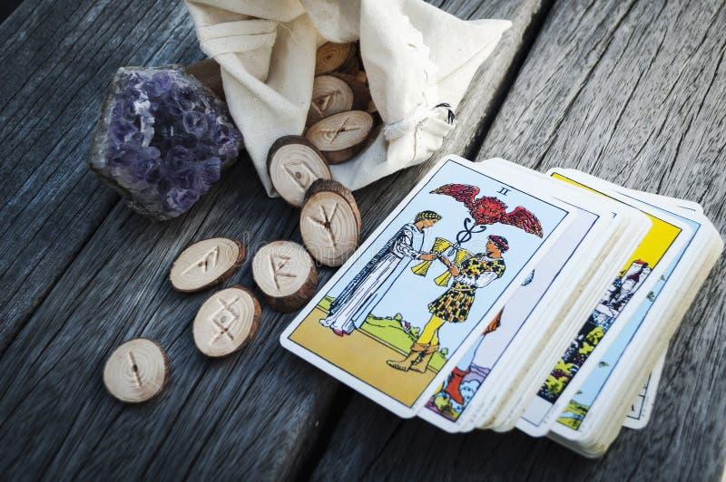 Drewniani runes handmade obraz stock
