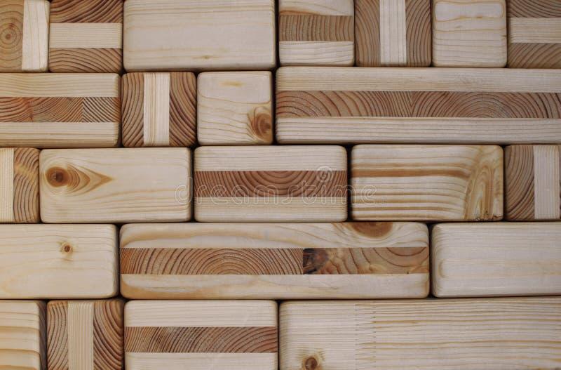 Drewniani sześciany i blok textured ściana obrazy stock