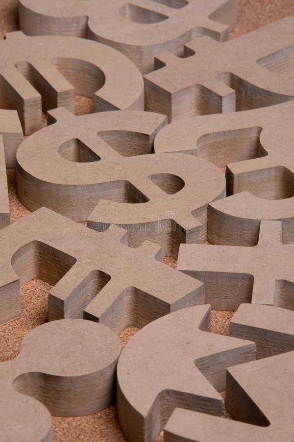 Drewniany Śpiewa lub symbole Światowe waluty w Grupowym obrazku fotografia royalty free