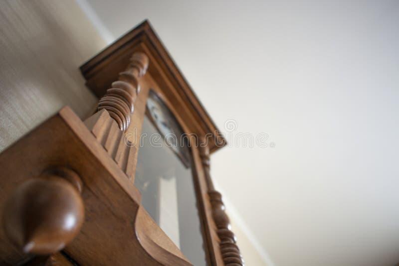 Drewniany ścienny zegar obrazy royalty free