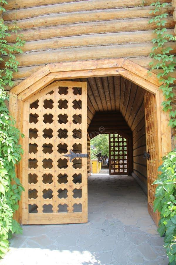 Drewniany bramy wierza fotografia stock