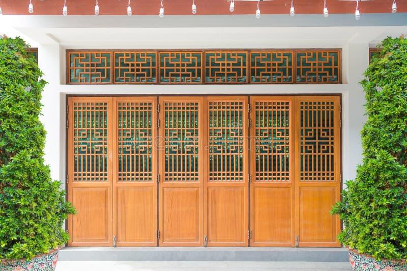 Drewniany Chińskiego stylu okno, drzwi i ściana, obrazy royalty free