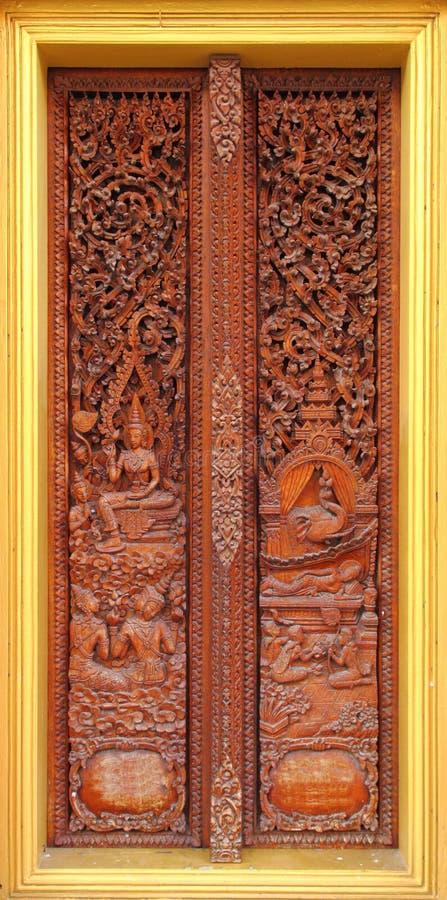 drewniany cyzelowania antyczny drzwi zdjęcia stock