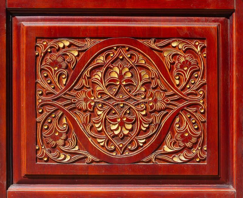 Drewniany cyzelowanie w postaci zręcznie kwiecistego wzoru obraz stock