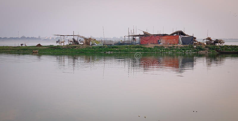 Drewniany dom na jeziorze w Inle, Myanmar zdjęcie stock