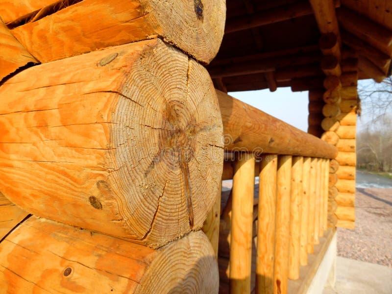 Drewniany dom za rzeką obrazy royalty free