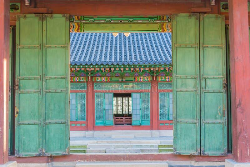 Drewniany drzwi zdjęcie royalty free
