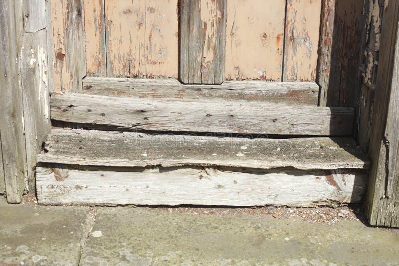 Drewniany drzwiowy próg obraz stock