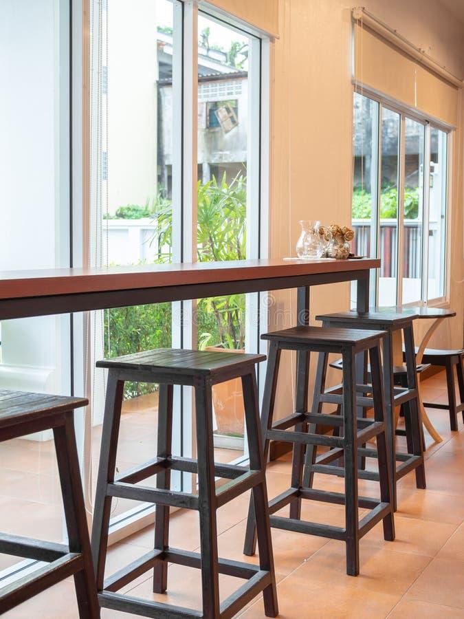 Drewniany kontuaru bar obrazy royalty free