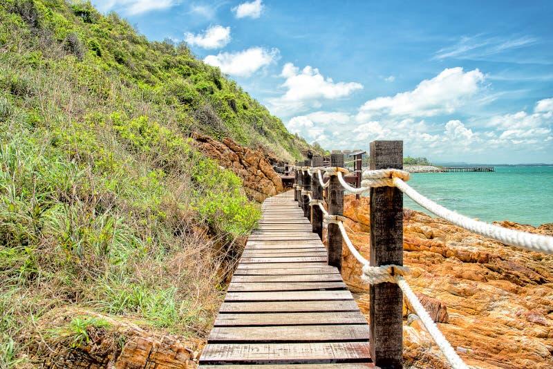 Drewniany przejście wzdłuż plaży zdjęcia stock