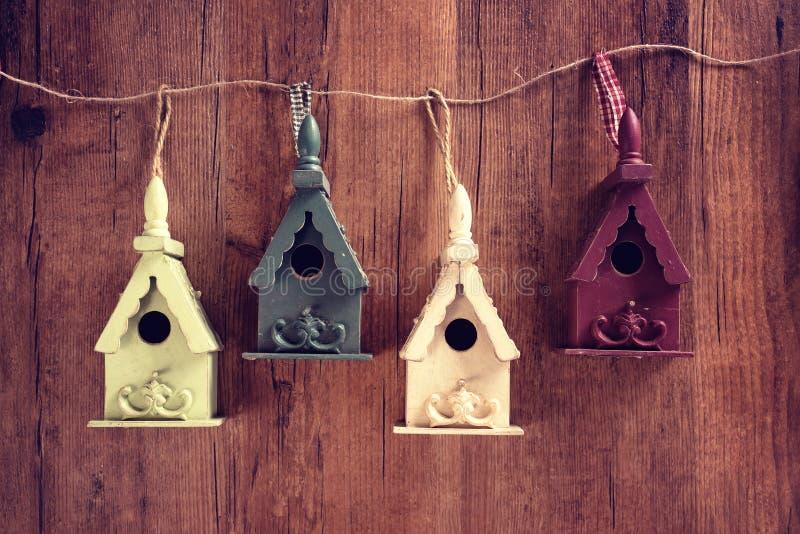 Drewniany ptaka dom obrazy royalty free
