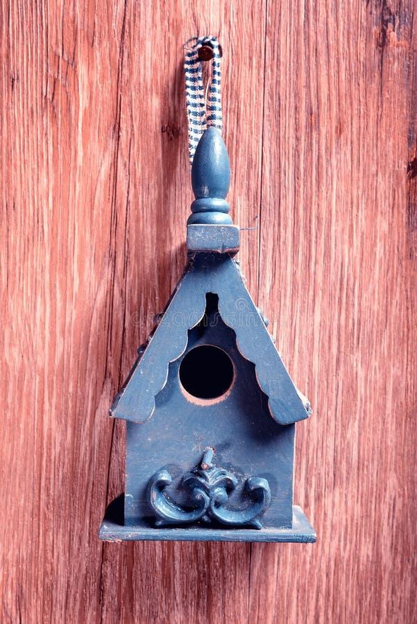 Drewniany ptaka dom zdjęcie stock