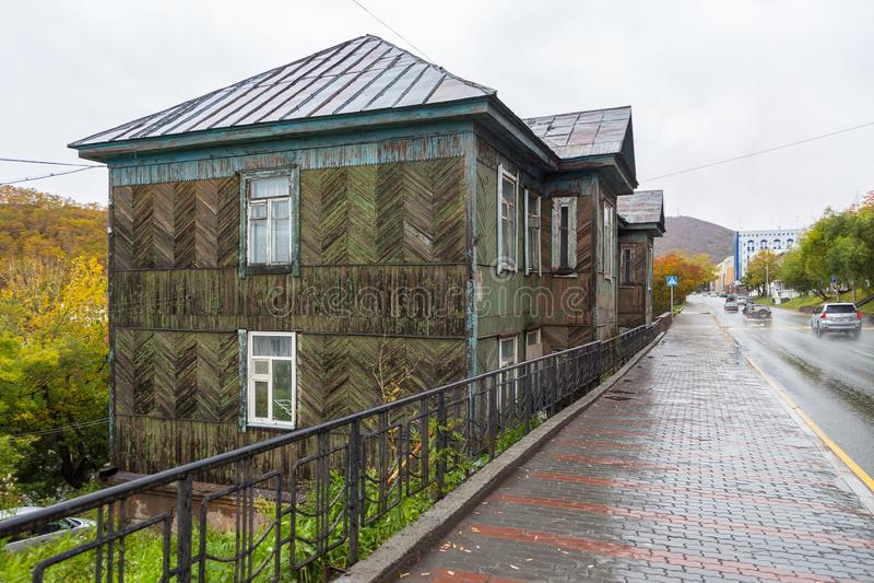 Drewniany, stary dom w petropavlovsk, półwysep kamczatka, Rosja zdjęcia stock