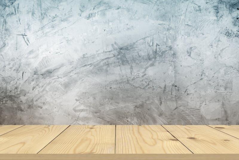 Drewniany stołowy wierzchołek na nagim betonowej ściany tle fotografia stock
