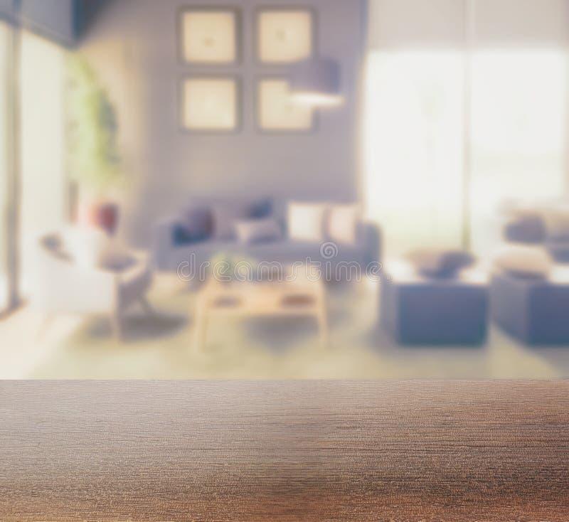 Drewniany stołowy wierzchołek z plamy tłem nowożytny żywy izbowy wnętrze obraz royalty free