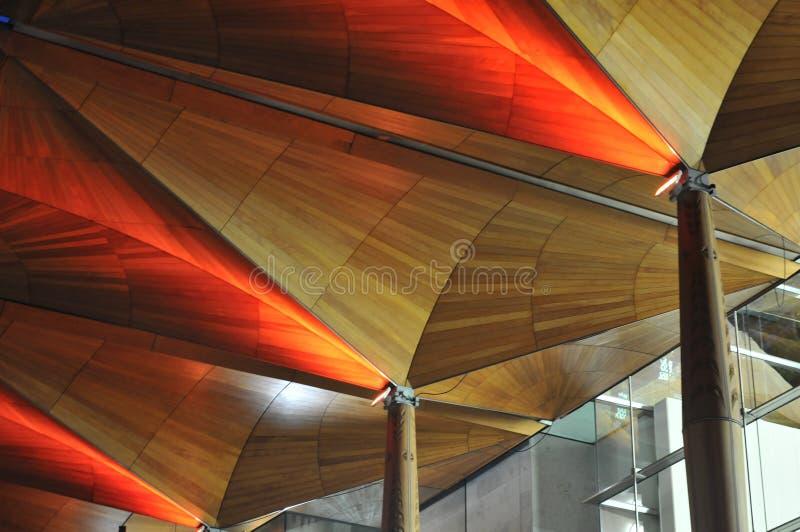 Drewniany sufit w czerwonym świetle obraz stock