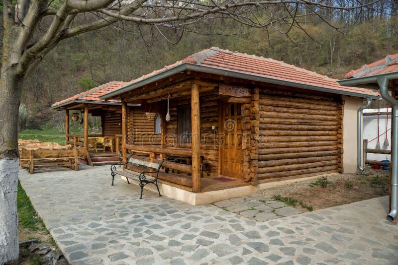 Drewniany weekendu dom od bel drewno 02 obraz stock