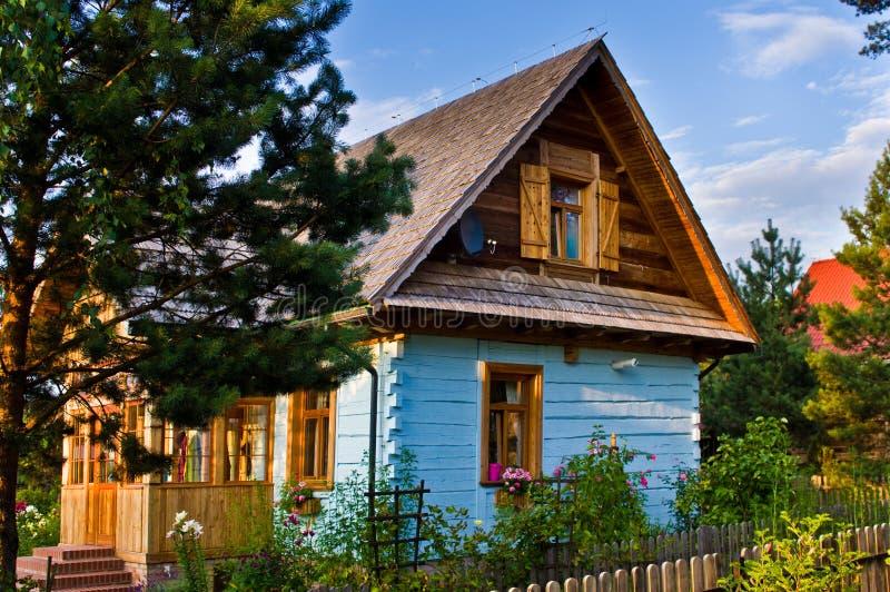Drewniany wiejski dom w Polska, Roztocze region zdjęcie stock
