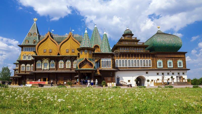 Drewniany wierza przy Muzealnym Kolomenskoye, Moskwa, Rosja fotografia royalty free