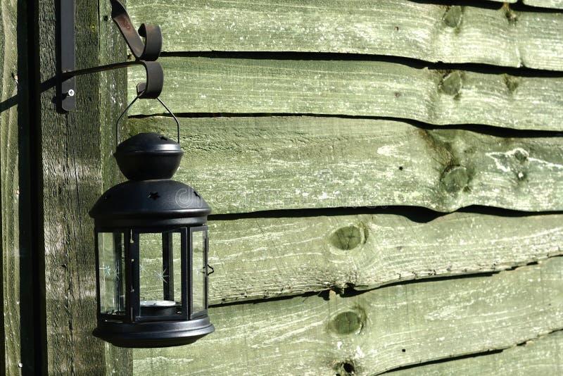 Drewno ściana, wisząca lampa obraz royalty free