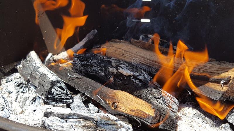 Drewno 3 i dym zdjęcie royalty free