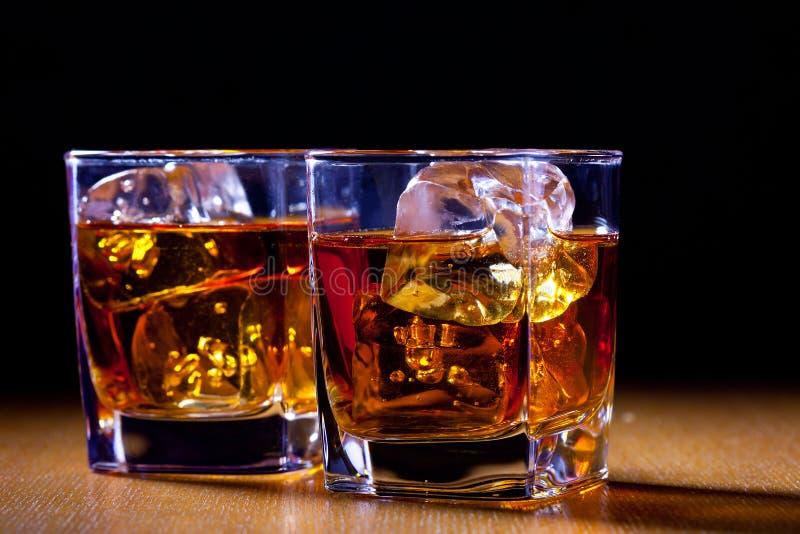 dricker exponeringsglas två arkivbild