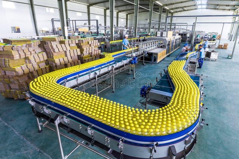 Dricker fabriken i Kina fotografering för bildbyråer