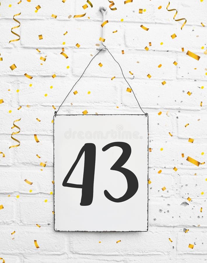 43 drieënveertig van oude de partijjaar congratulati van de verjaardagsverjaardag royalty-vrije stock foto's