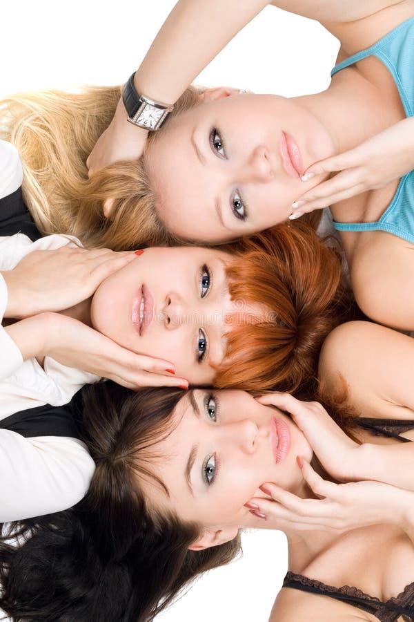 Drie aantrekkelijke vrouwen stock fotografie