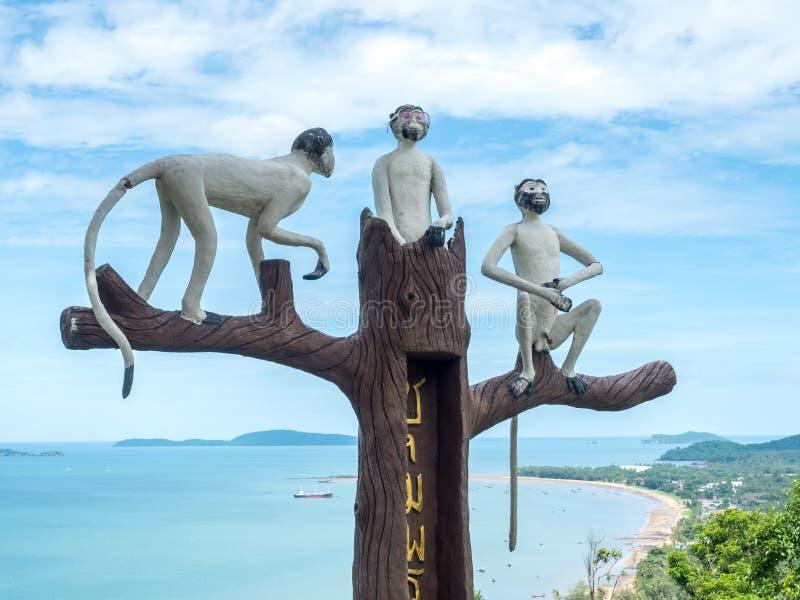 Drie apenstandbeeld in Chumphon, Thailand royalty-vrije stock foto's